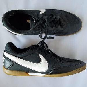 Nike Davinho Black Men's Indoor Soccer Shoes